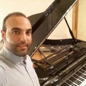 امیرحسین اقتصاد مدرس پیانو در آموزشگاه موسیقی همراز