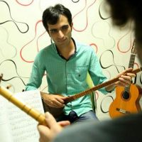 آموزش تار و سهتار زیرنظر عیسی زارعی در آموزشگاه موسیقی همراز