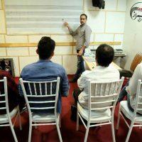 آموزش پیانو، تئوری موسیقی زیرنظر حمیدرضا باقری در آموزشگاه موسیقی همراز