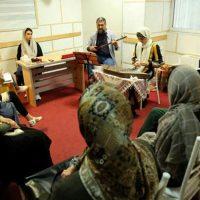 آموزش سنتور زیرنظر حسین پرنیا در آموزشگاه موسیقی همراز