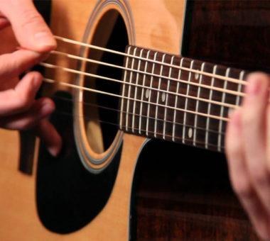 فواید نواختن گیتار برای سلامتی