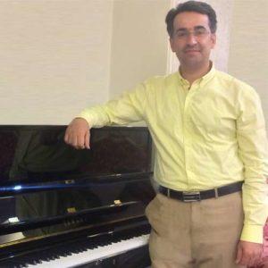 ساعد آذری مدرس پیانو، سلفژ و تئوری در آموزشگاه موسیقی