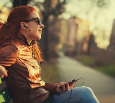 وقتی موسیقی گوش میدهید چه اتفاقی در بدنتان میافتد؟