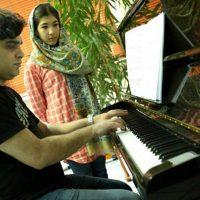آموزش پیانو زیرنظر امیر حوتیان در آموزشگاه موسیقی همراز