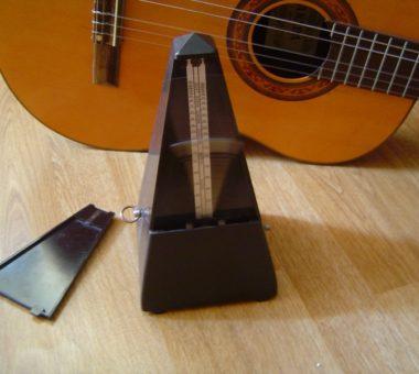گیتار زدن با مترونوم و بدون مترونوم
